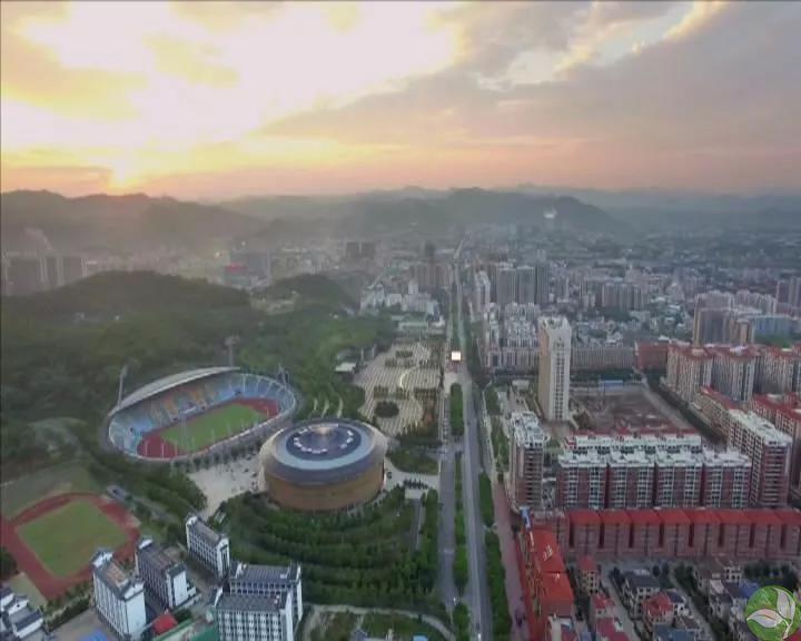 书记局长访谈 赖宇坚:加快城市扩容提质 提升经济发展后劲