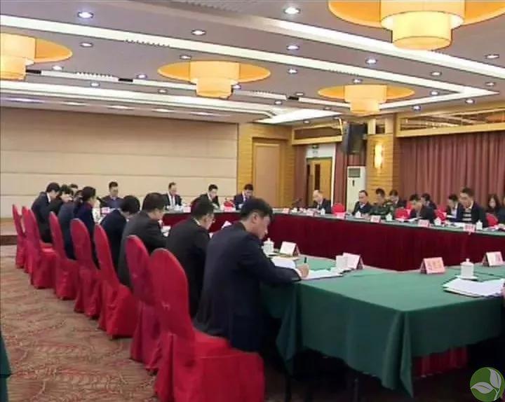 梅县区代表团讨论市委七届三次全会报告